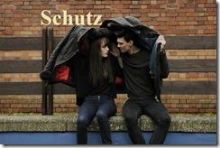 Paar im Regen Schutz
